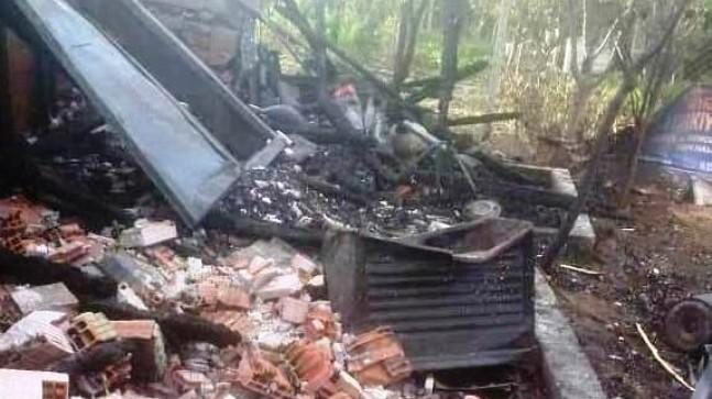 Pursaklar'da 2 bahçe evi alev alev yandı